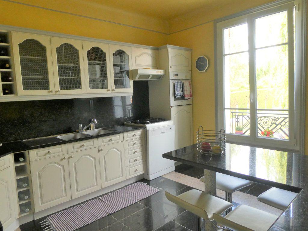 Maison à vendre 6 126m2 à Ballainvilliers vignette-3