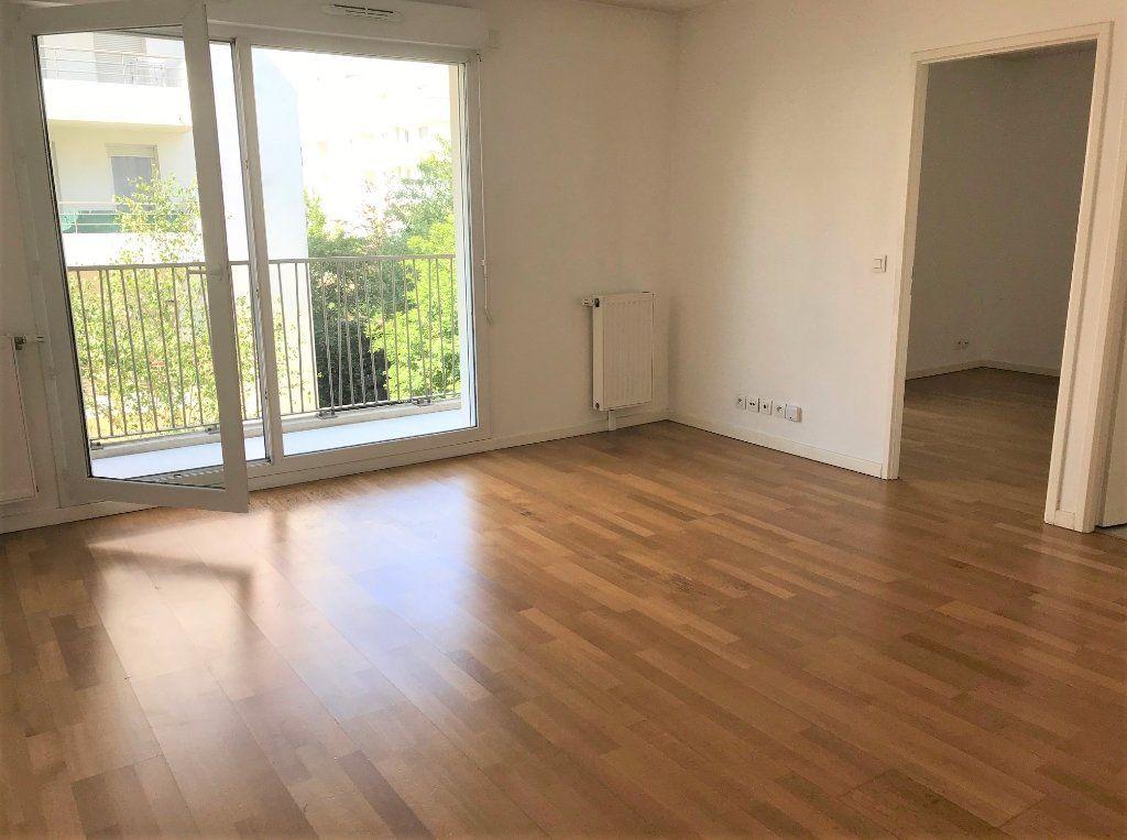 Appartement à louer 3 53.24m2 à Massy vignette-2
