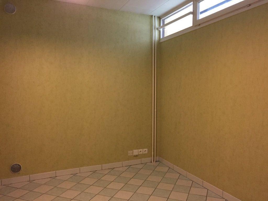 Appartement à louer 1 10.92m2 à Massy vignette-2