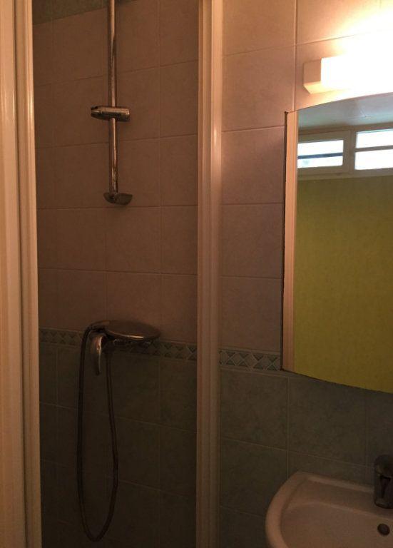 Appartement à louer 1 10.92m2 à Massy vignette-4