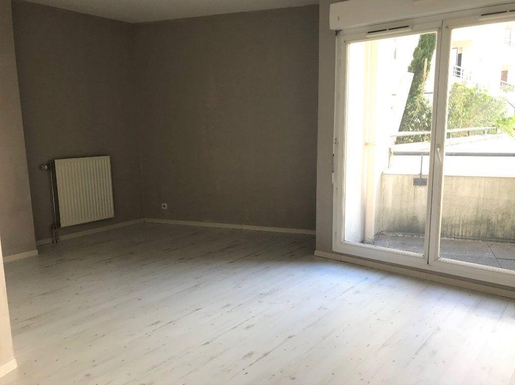 Appartement à louer 1 27.06m2 à Massy vignette-1