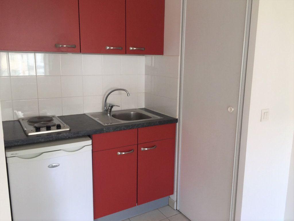 Appartement à louer 1 24.85m2 à Wissous vignette-1