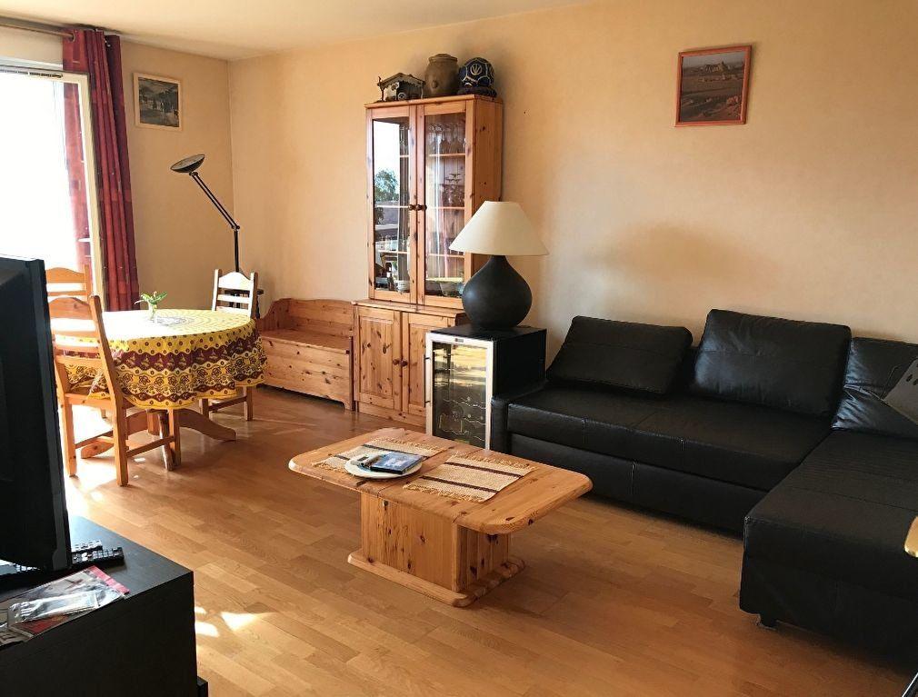 Appartement à louer 3 64.75m2 à Massy vignette-2
