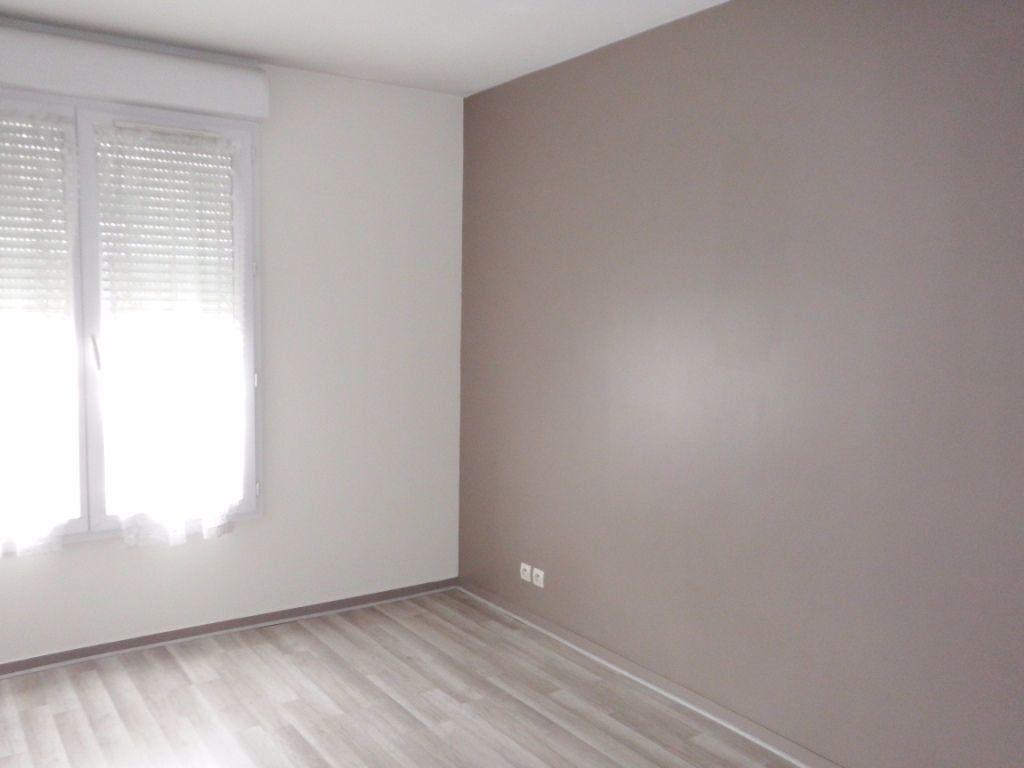 Appartement à louer 3 64.75m2 à Massy vignette-4