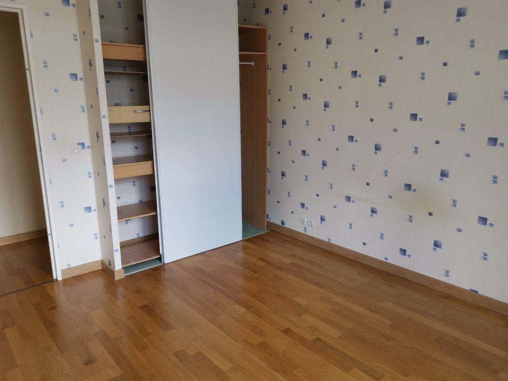 Appartement à louer 3 64.75m2 à Massy vignette-6