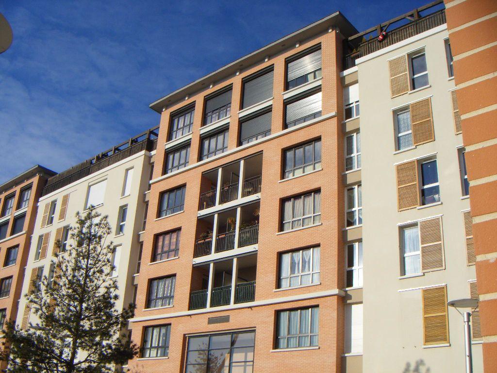 Appartement à louer 2 49.97m2 à Massy vignette-1