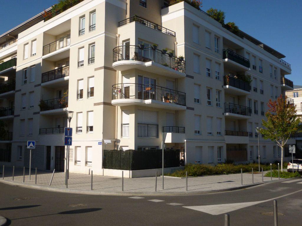 Appartement à louer 2 44.1m2 à Massy vignette-1