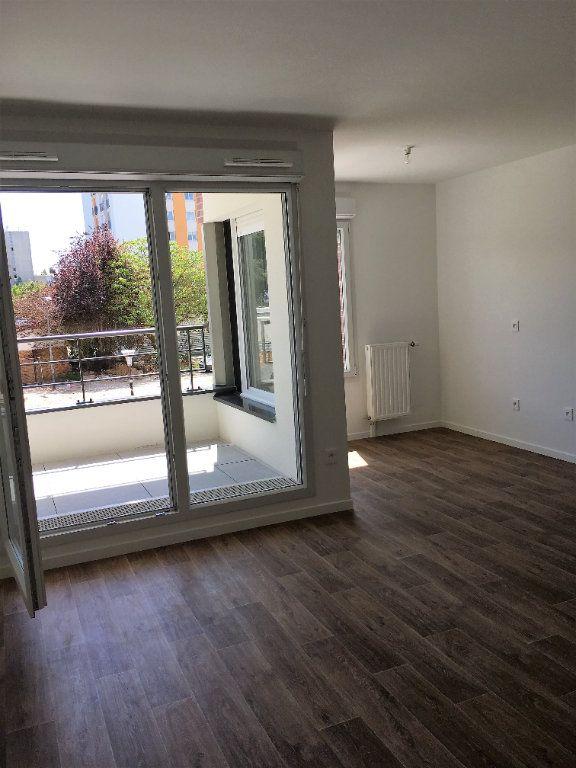 Appartement à louer 3 56.42m2 à Les Ulis vignette-2