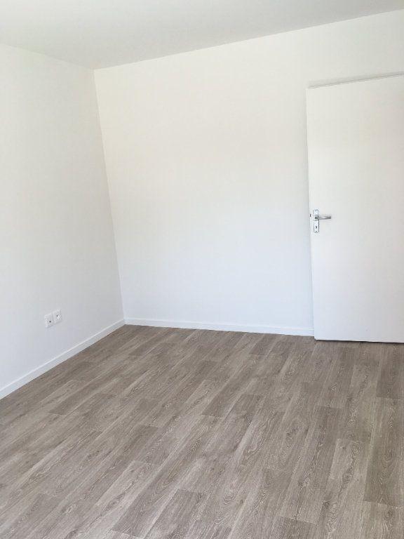 Appartement à louer 3 56.42m2 à Les Ulis vignette-3
