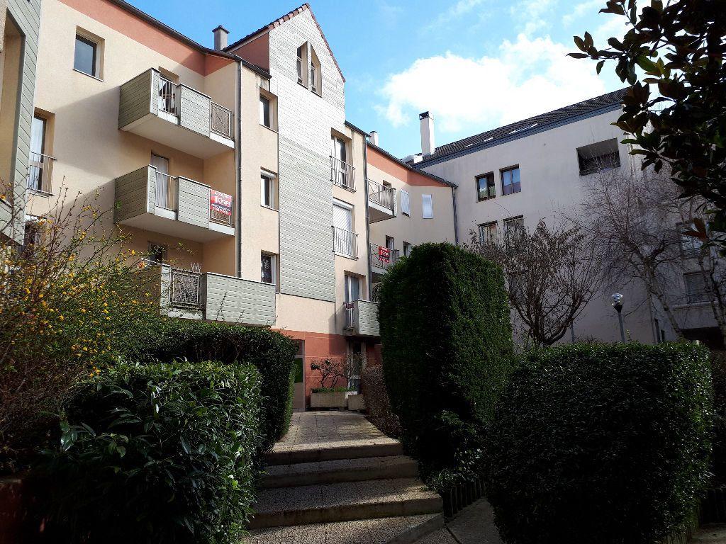 Appartement à louer 3 64.41m2 à Massy vignette-1