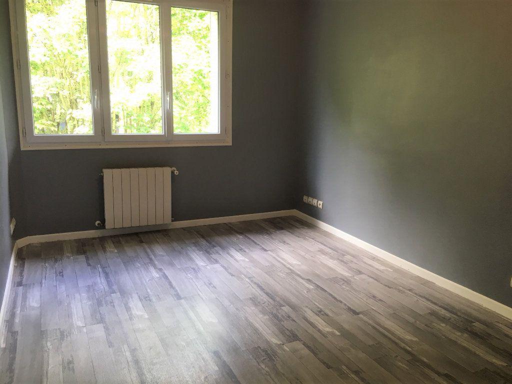 Appartement à louer 3 73.6m2 à Massy vignette-5
