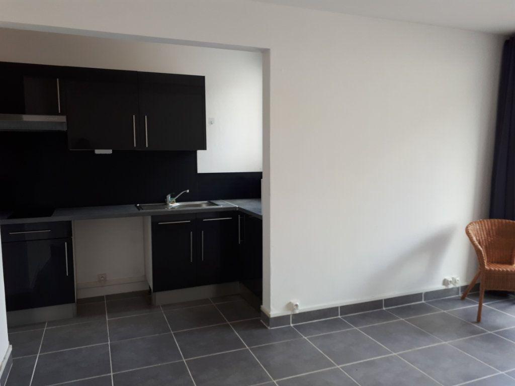 Appartement à louer 1 23.06m2 à Massy vignette-3