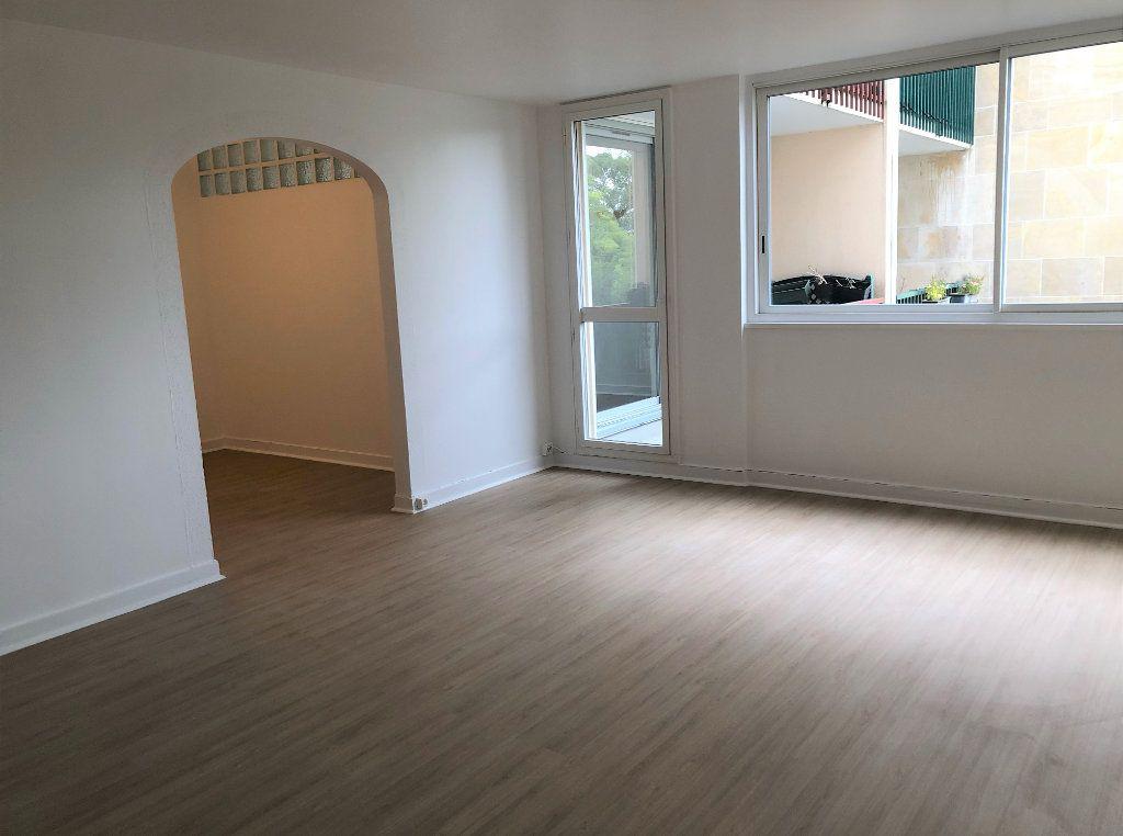 Appartement à louer 4 94.91m2 à Massy vignette-3