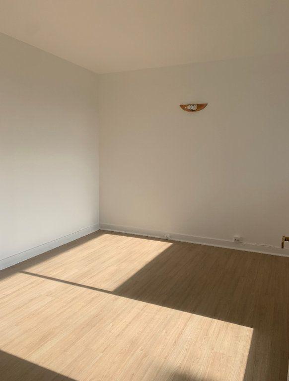 Appartement à louer 4 94.91m2 à Massy vignette-4
