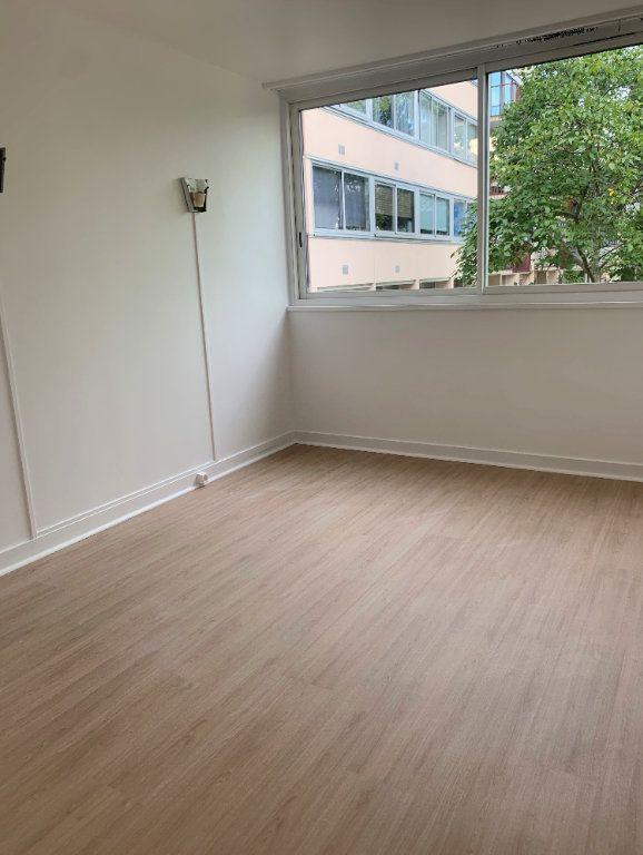 Appartement à louer 4 94.91m2 à Massy vignette-7