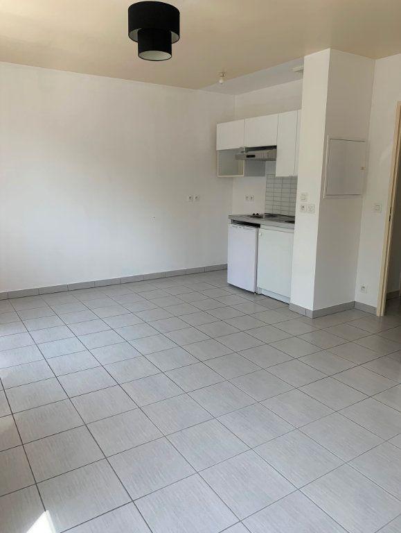 Appartement à louer 1 25.82m2 à Massy vignette-2