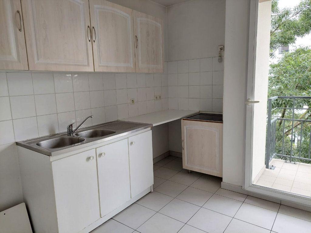 Appartement à louer 3 63.02m2 à Massy vignette-3