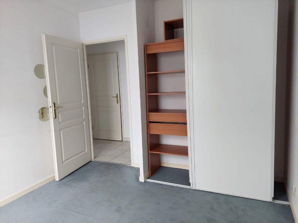 Appartement à louer 3 63.02m2 à Massy vignette-4