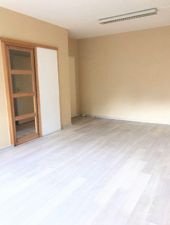Appartement à louer 3 66.39m2 à Massy vignette-2
