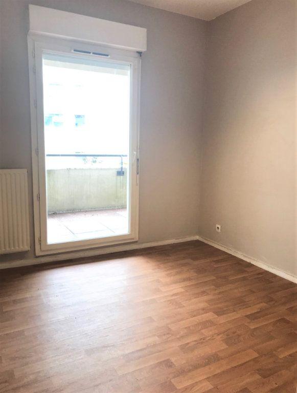 Appartement à louer 3 66.39m2 à Massy vignette-4