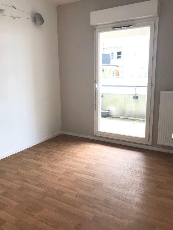 Appartement à louer 3 66.39m2 à Massy vignette-5