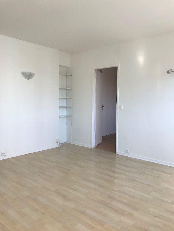 Appartement à louer 4 60.67m2 à Massy vignette-3