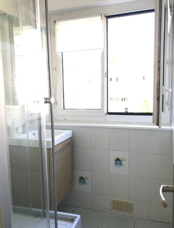 Appartement à louer 4 60.67m2 à Massy vignette-6