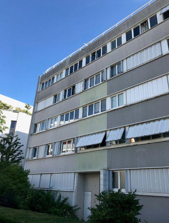 Appartement à louer 4 60.67m2 à Massy vignette-7