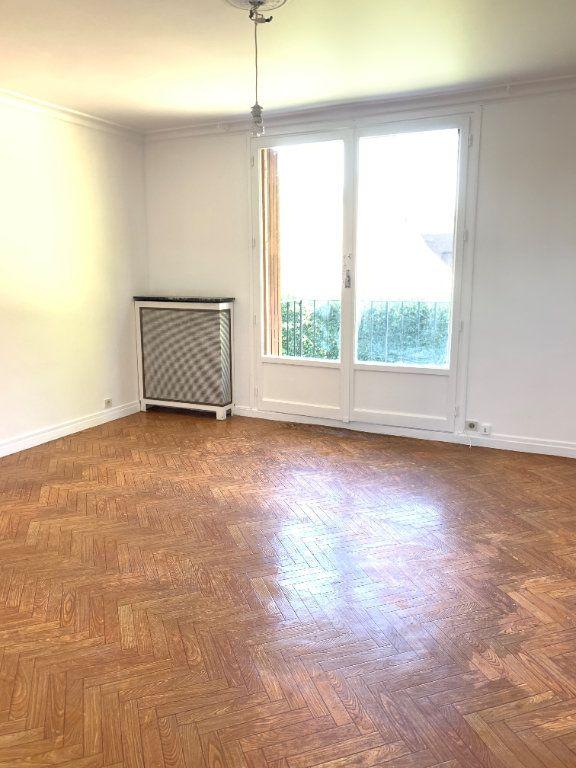 Appartement à louer 3 53.6m2 à Massy vignette-1