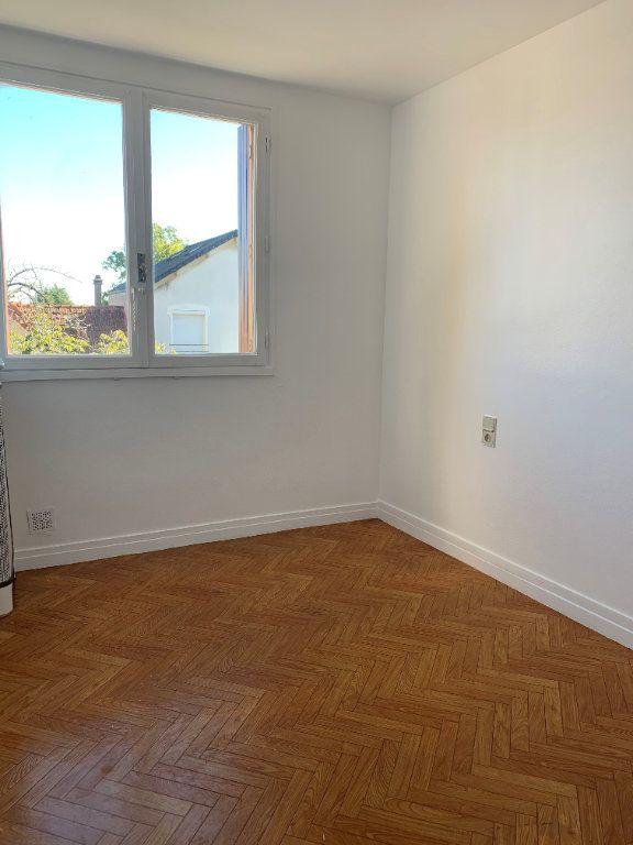Appartement à louer 3 53.6m2 à Massy vignette-4