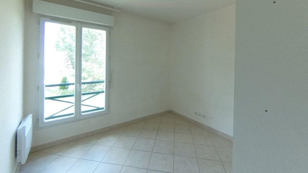 Appartement à louer 3 55m2 à Santeny vignette-5