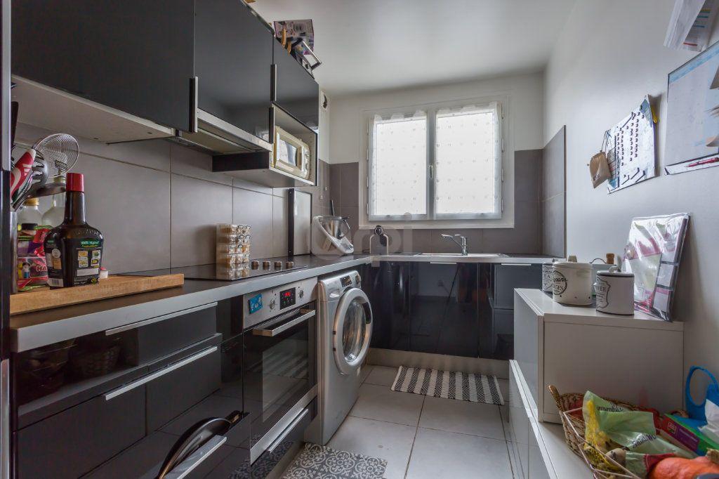 Appartement à vendre 4 82.8m2 à Boissy-Saint-Léger vignette-3