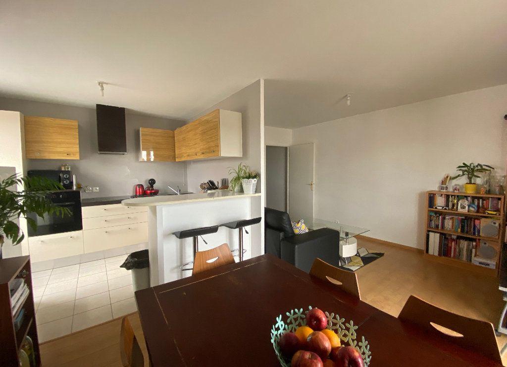 Appartement à vendre 3 60.52m2 à Combs-la-Ville vignette-3