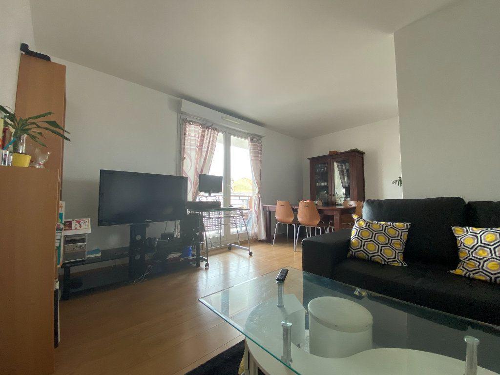 Appartement à vendre 3 60.52m2 à Combs-la-Ville vignette-5