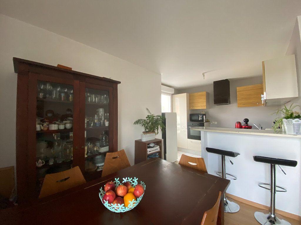 Appartement à vendre 3 60.52m2 à Combs-la-Ville vignette-9