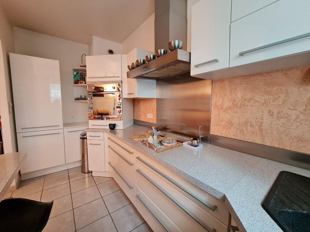 Appartement à vendre 3 66m2 à Villecresnes vignette-2