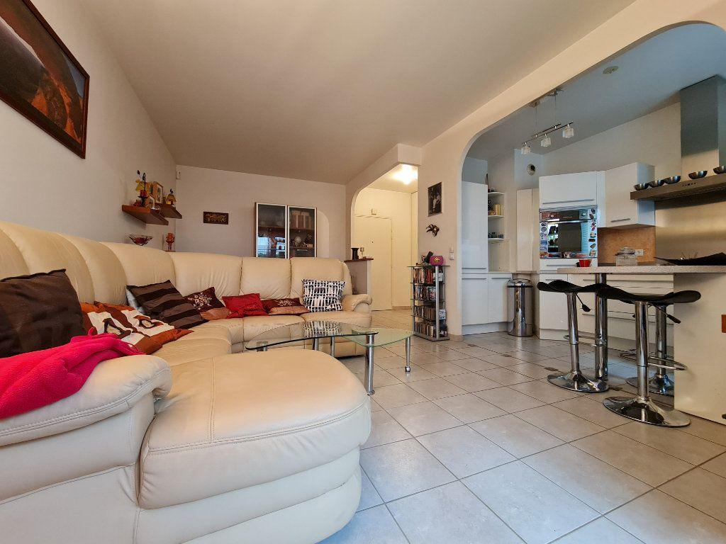 Appartement à vendre 3 66m2 à Villecresnes vignette-5