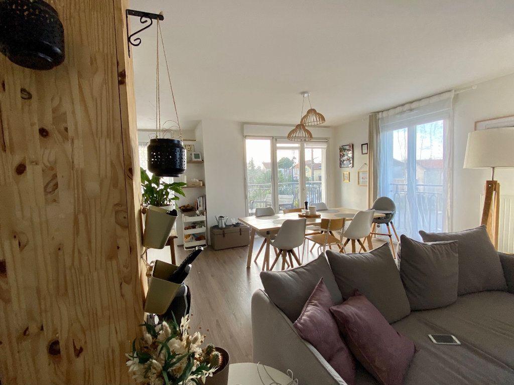 Appartement à vendre 4 80m2 à Villecresnes vignette-1