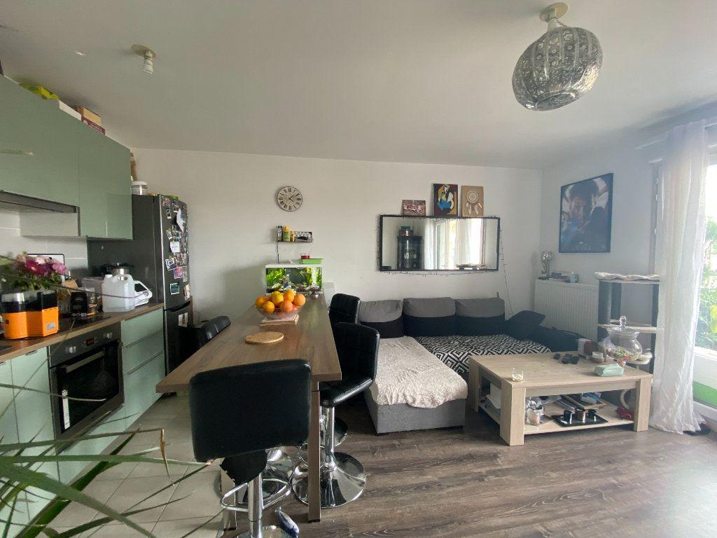 Appartement à vendre 2 43m2 à Villecresnes vignette-3