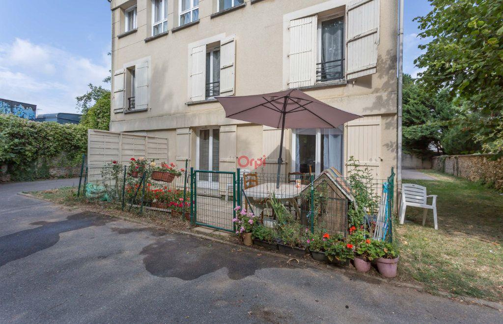 Appartement à vendre 2 39m2 à Villecresnes vignette-1