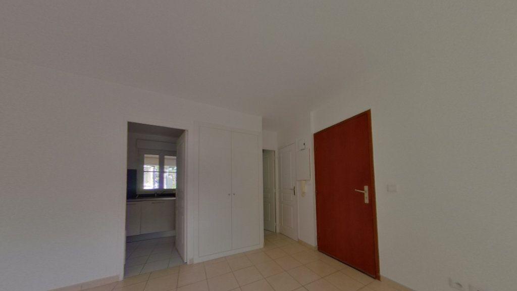 Appartement à louer 1 26m2 à Villecresnes vignette-5