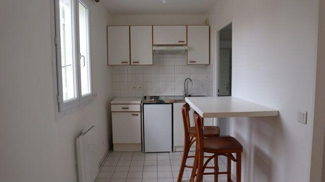 Appartement à louer 1 28.29m2 à Villecresnes vignette-4