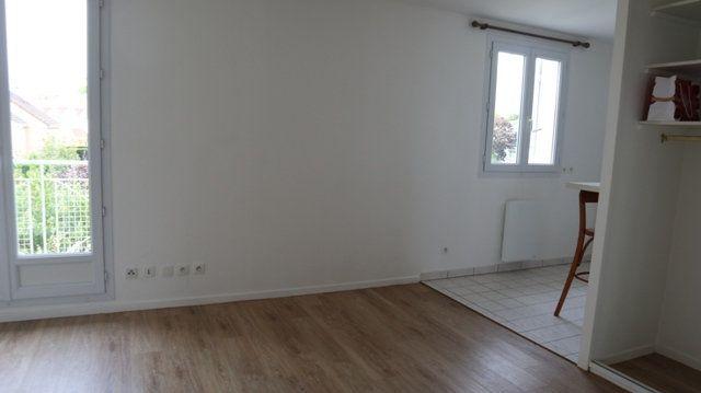Appartement à louer 1 28.29m2 à Villecresnes vignette-5