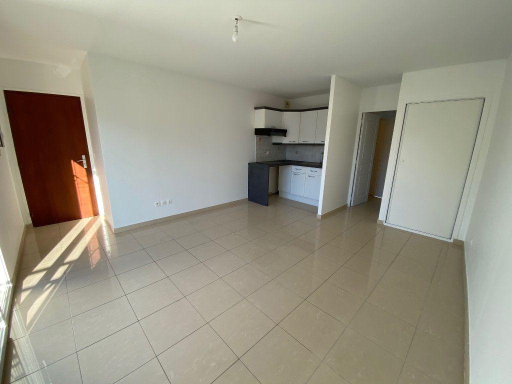 Appartement à louer 2 36.5m2 à Villecresnes vignette-4