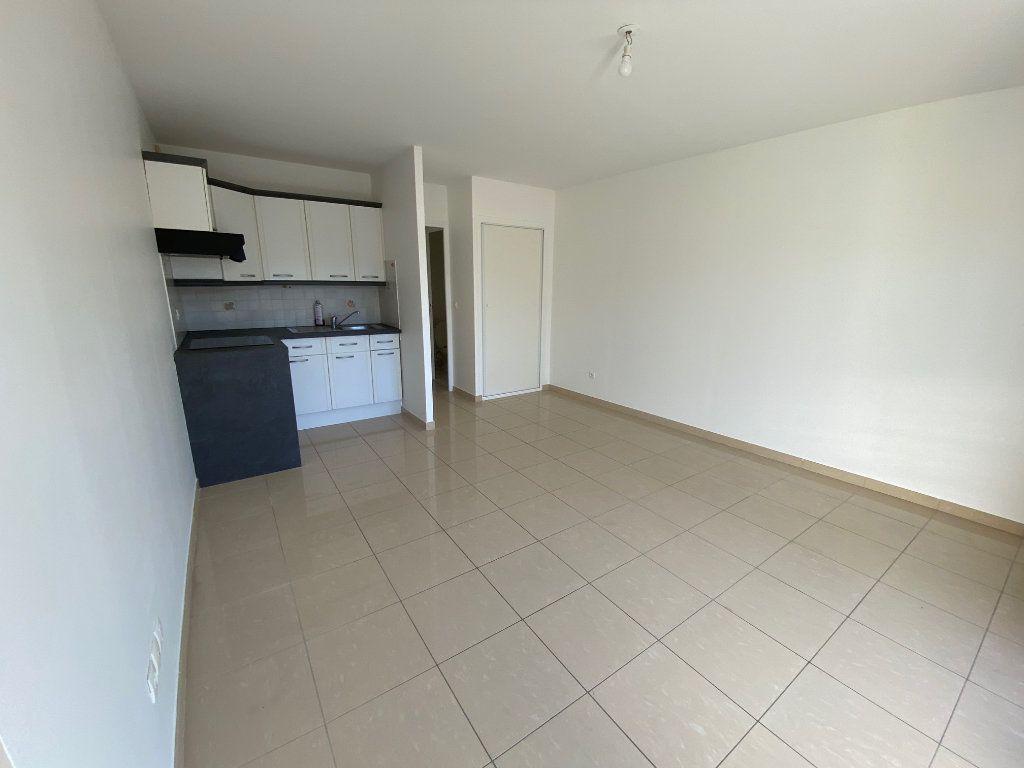 Appartement à louer 2 36.5m2 à Villecresnes vignette-5