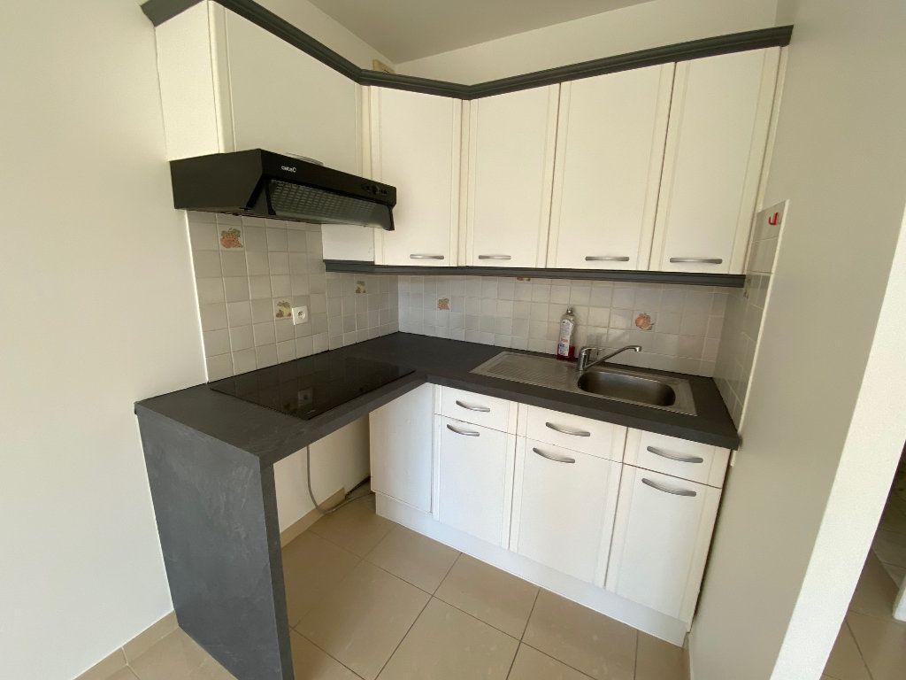 Appartement à louer 2 36.5m2 à Villecresnes vignette-6