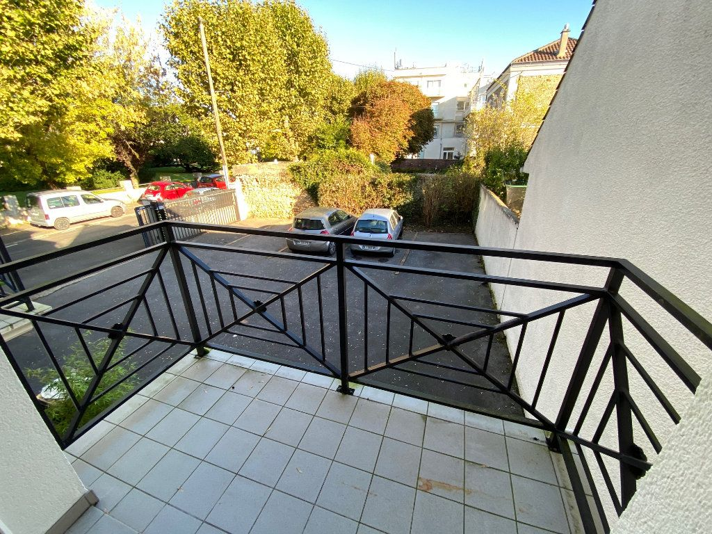 Appartement à louer 2 36.5m2 à Villecresnes vignette-10