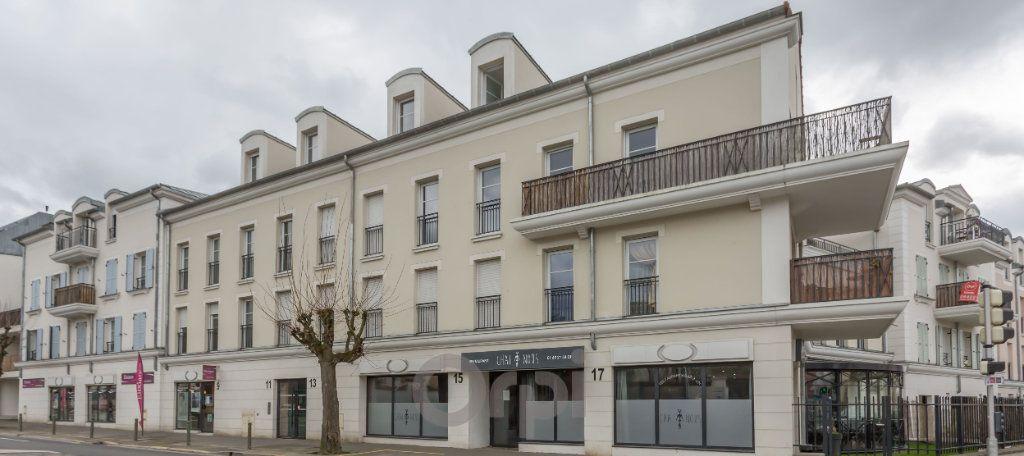 Appartement à louer 3 77.73m2 à Crosne vignette-1