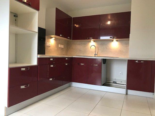 Appartement à louer 3 77.73m2 à Crosne vignette-2