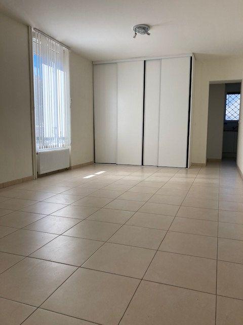 Appartement à louer 1 41.77m2 à Montgeron vignette-3